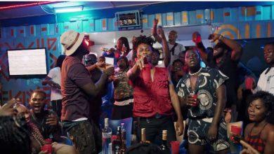 M3dal pay remix video 1 390x220 - M3dal ft. Kwesi Arthur, Sitso & Fameye - Pay (Remix) (Official Video)