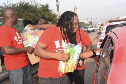 Edem selling 1 500x333 - Photos & Video: Rapper Edem Spotted Selling In Traffic