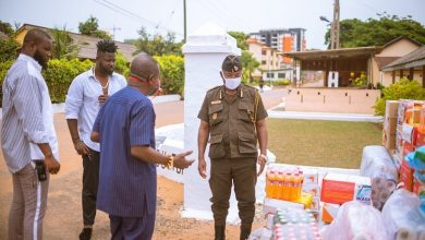 Photo of Photos: Shatta Capo, father of Shatta Wale makes Donation To the James Camp Prison