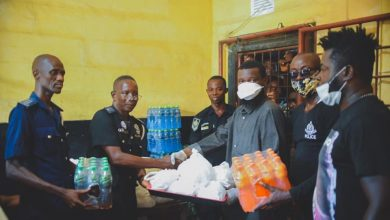Photo of COVID-19 : Shatta Wale Donates Relief Items To Prisoners