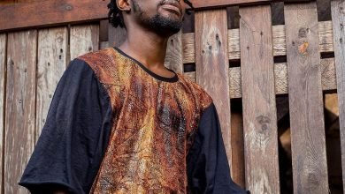 Fameye imm 390x220 - Fameye shows off His son with 'Maternity Ward' Photo