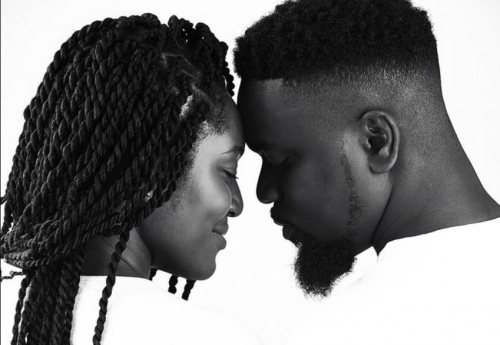 Sarkodie and wife 500x345 - Photo: Sarkodie Finally Shows Off His Newborn Baby to celebrate Fathers Day