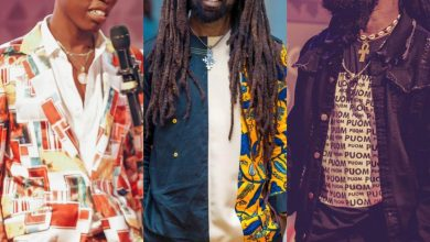 Photo of Rocky Dawuni congratulates Ras Kuuku and J. Derobie on their VGMA wins